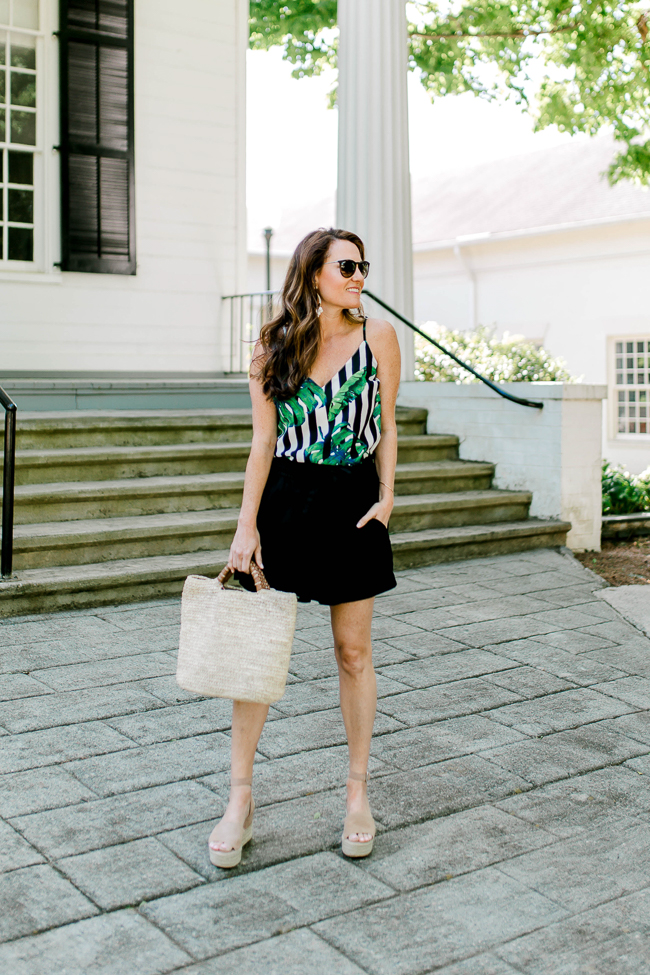 How to wear tropical prints this Summer via Peaches In A Pod blog.