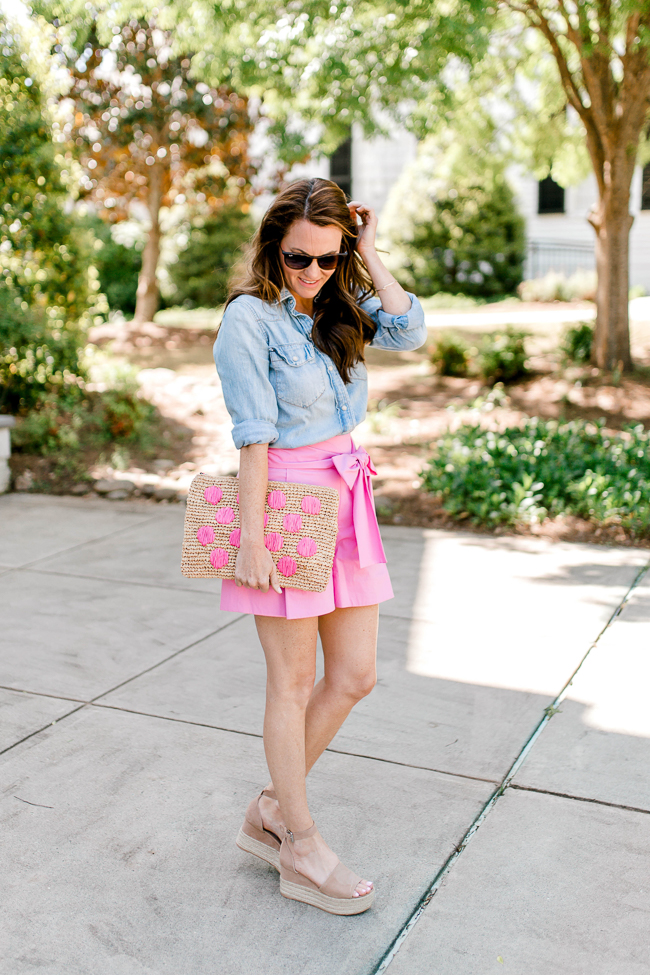 Pink shorts outfit idea for women via Peaches In A Pod blog.
