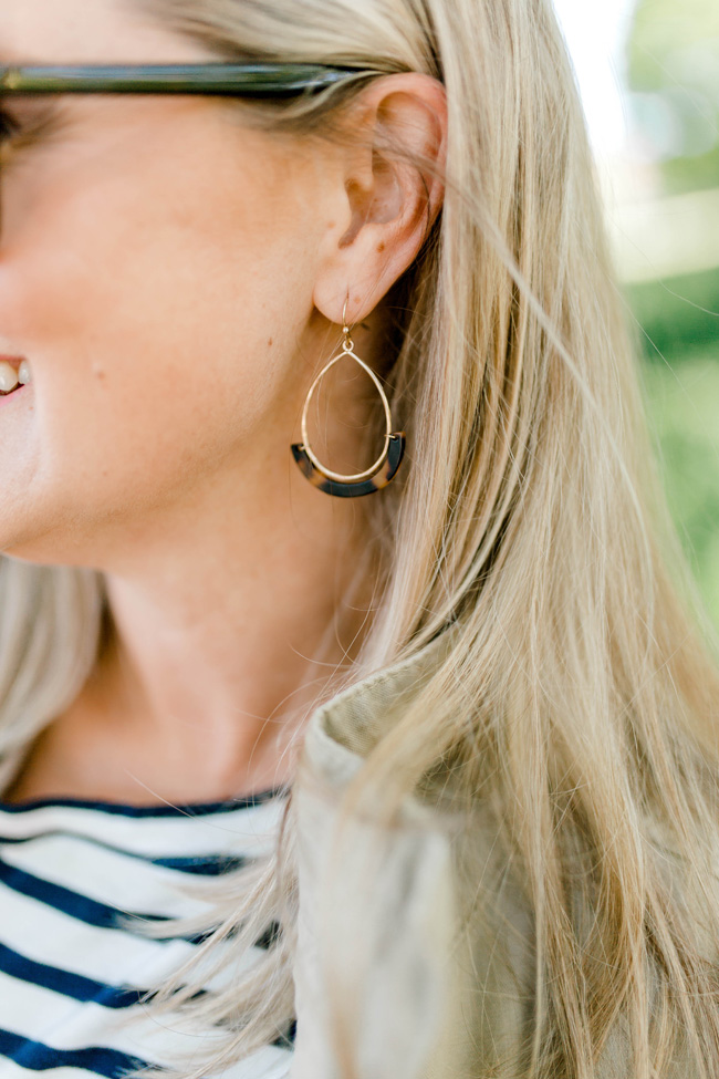 The perfect tortoise shell earrings for Spring