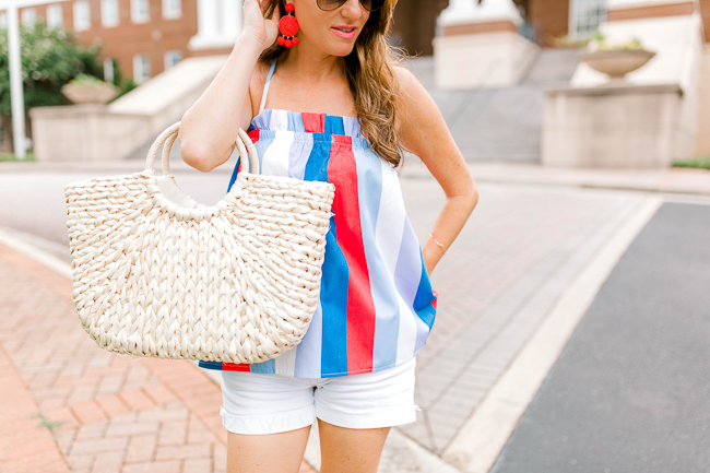 Cute straw tote for Summer via Peaches In A Pod blog.