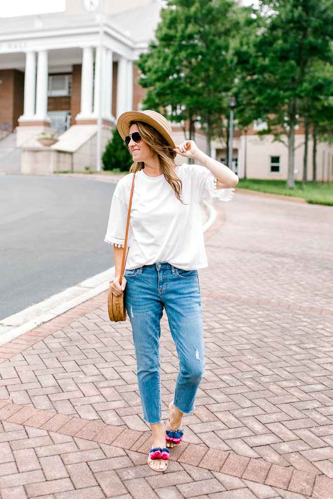 Cute summer outfit ideas for women via Peaches In A Pod blog.