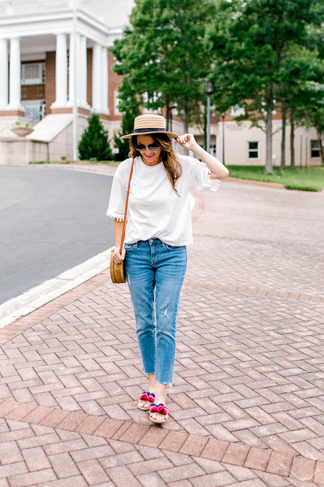 casual summer style via Peaches In A Pod blog.