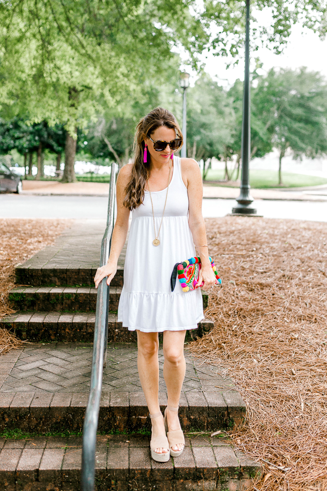 Women's casual summer style via Peaches In A Pod blog.